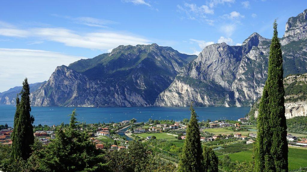 Datování a manželství zvyky v Itálii